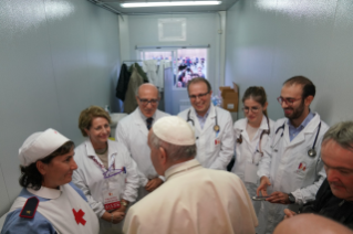 Pope pays surprise visit to First Aid Station in St Peter's Square